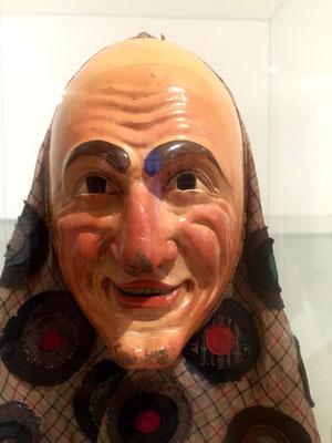 Geschnitzte Maske
