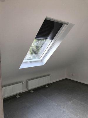 Dachflächenfenster MADEJA e.K. Dachausbau komplett , neue Raumaufteilung , neue Heizung , Bodenfliese 60x60cm