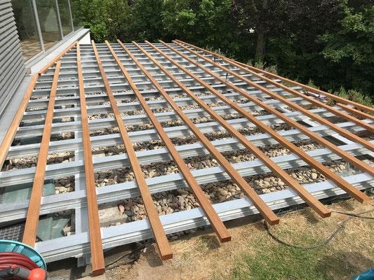 MADEJA e.K. Terrassenunterkonstruktion aus Metall
