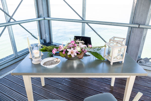Heiligenhafen Seebrücke, Hochzeitsfotografie und Hochzeitsfotos in Heiligenhafen direkt am Strand, Seebrücke, Hochzeitsfotograf Dennis Bober DeBo-Fotografie.