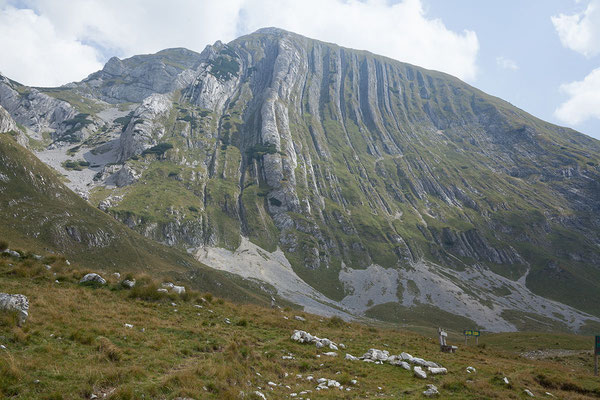 11.9. Durmitor Nationalpark umfasst auf rund 400 km2 spektakuläre Schluchten, Bergseen und 48 2000er.