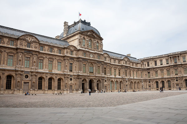 12.06. Louvre
