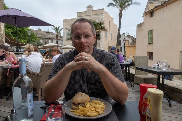 """27.05. Wir kommen zu Mittag auf Korsika an und essen sehr gut im """"La Terrasse"""" in Erbalunga (nördlich von Bastia)."""