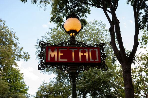 13.06. Die Metro ist natürlich nicht wegzudenken aus Paris.