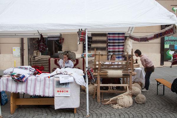 18.6. In Baia Mare findet gerade eine Veranstaltung statt, auf der lokale Handwerkstraditionen präsentiert werden.