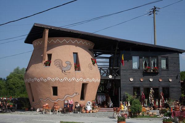 14.06. Horezu-Keramik ist im ganzen Land bekannt. Teller, Trinkgefäße und Krüge werden hergestellt.