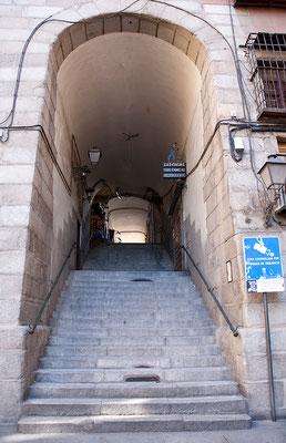 24.09. Eingangstor zur Plaza Mayor