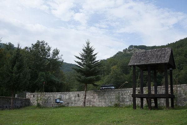 10.9. Wir besichtigen das Kloster Piva in der Nähe des Stausees.