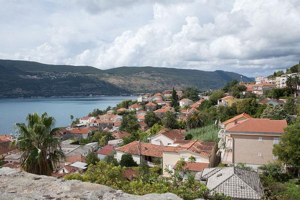 19.9. Herceg Novi - Blick auf die Stadt von der Festung Kanli Kula