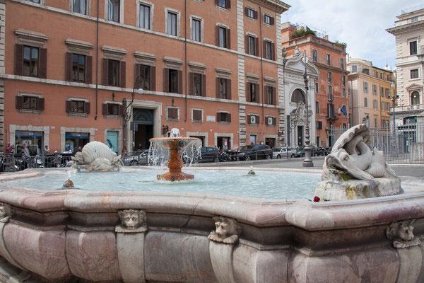 23.05. Piazza Colonna