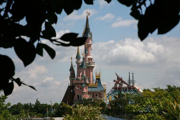 11.06. Disneyland Paris: Blick auf das Dornröschenschloss