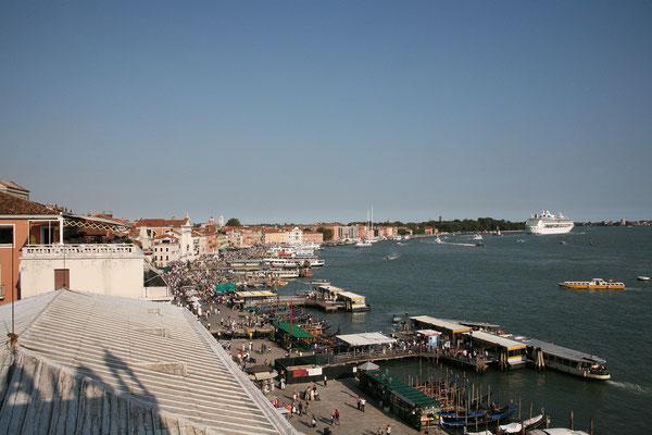13.09. Dogenpalast: Blick auf die Riva degli Schiavoni