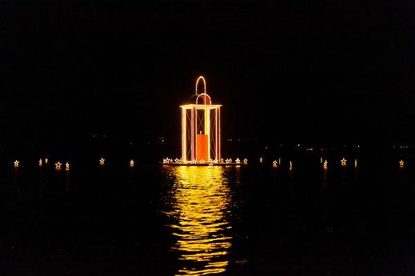 Die Laterne ist das Wahrzeichen von St. Wolfgang in der Vorweihnachtszeit.