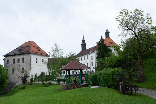 04.05. Škofja Loka: das Schloss musste nach dem Erdbeben 1511 umfassend instand gesetzt werden und beherbergt heute ein Museum.