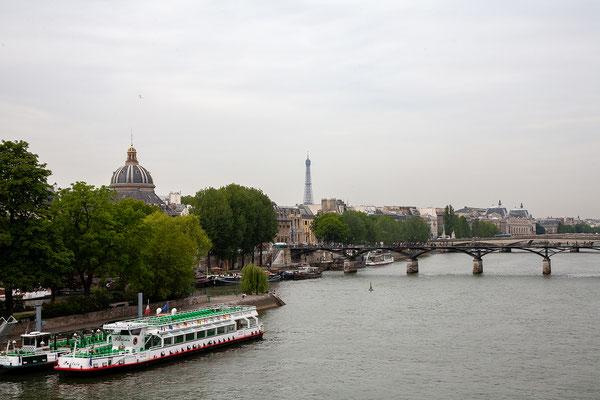 12.06. Blick vom Pont Neuf auf den Eiffelturm