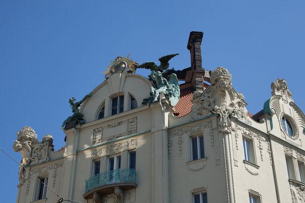 07.05. Die Jugendstil-Paläste beeindrucken.
