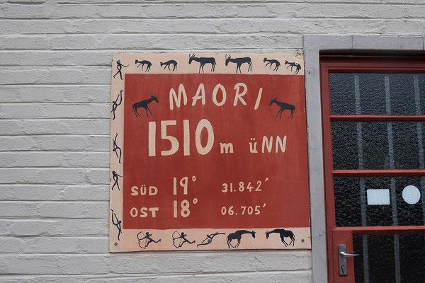 """22.4. Im Maori Camp begrüßt uns Peter mit den Worten """"Die Österreicher kommen und der Regen hört tatsächlich auf""""."""