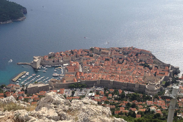 21.09. Dubrovnik - Vom 412 m hohen Srđ haben wir eine tolle Aussicht auf die Stadt.