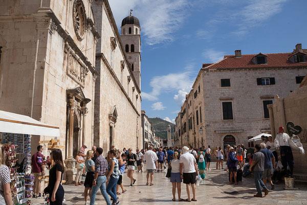 21.09. Dubrovnik - Die 300 m lange Placa/Stradun verbindet das Pile-Tor mit dem Luža Platz.