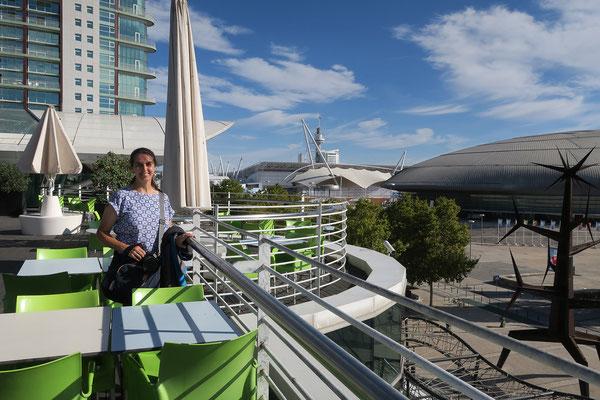 17.09. Parque das Nações: auf der Dachterrasse des Centro Vasco da Gama