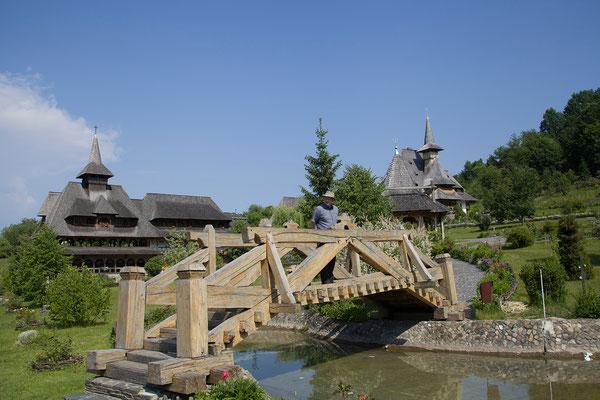 02.06. Das orthodoxe Nonnenkloster in Bârsana wurde ab 1993 an Stelle eines im 18. Jh. zerstörten Vorgängerbaus wieder errichtet.