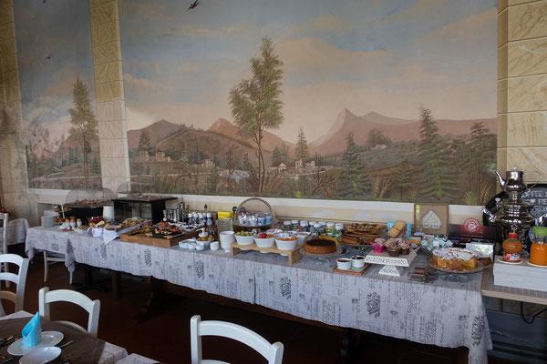 09.06. Ausgezeichnetes Frühstück in der Villa Parri