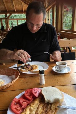 13.9. Ausgezeichnetes Frühstück im Hotel Ravnjak