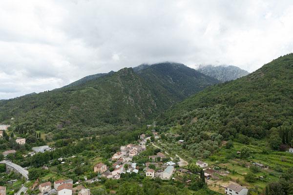 04.06. Corte, Blick von der Zitadelle ins Restonica-Tal
