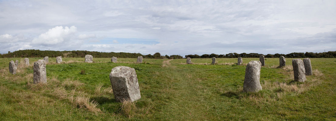 08.09. Die Merry Maidens sind ein weiterer schöner Steinkreis, an dem wir vorbei kommen.