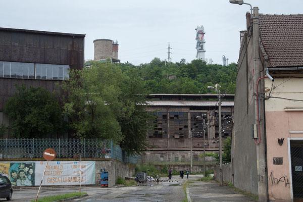 12.6. Reșiţa- Das Stahlwerk produziert heute vorwiegend Rohrknüppel, die zur Herstellung von nahtlosen Rohren für die Öl- und Gasindustrie verwendet werden.