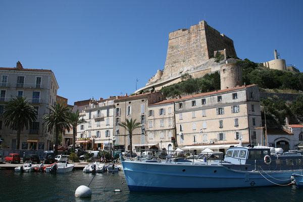 30.5. Wieder zurück im Hafen von Bonifacio ...