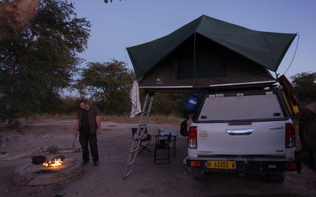12.05. Nxai Pan NP, wir verbringen einen schönen Abend auf unserer Campsite