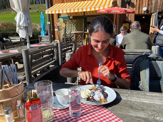 """Essen im Restaurant """"Fuchs und Henne"""""""