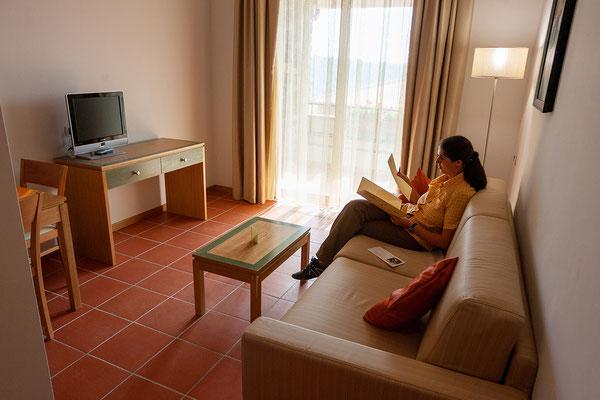 8.6. Wir beziehen als erste Gäste ein Zimmer im neu gebauten Seminarhotel der Villa Francesca, das noch gar nicht offiziell eröffnet wurde.
