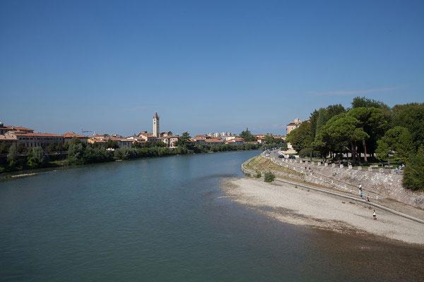 24.09. Verona - Blick auf den Adige vom Ponte Scaligero