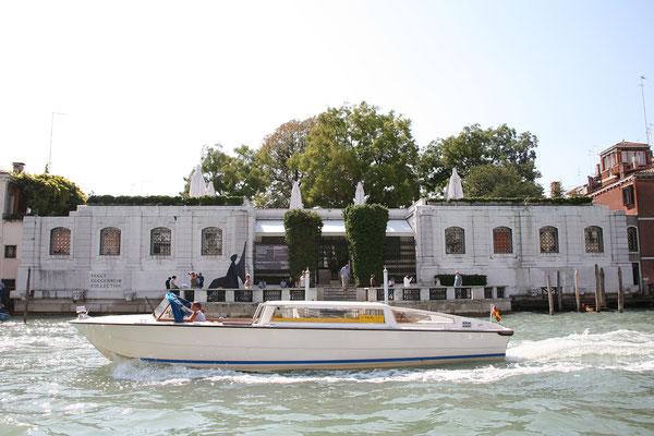 ... und besuchen die Peggy Guggenheim Collection.
