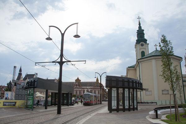 11.6. Oradea: Die Piaţa Unirii wurde seit unserem Besuch im Vorjahr sehr schön restauriert.