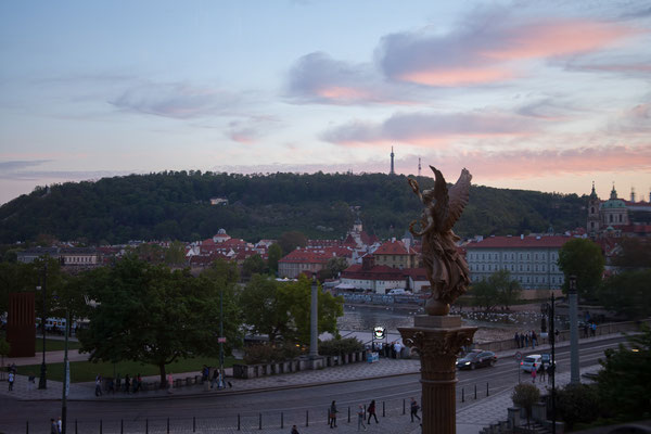 06.05. Sonnenuntergang über der Prager Burg
