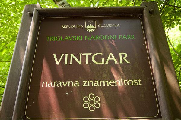 Vintgar Klamm - Die Klamm wurde vom Fluss Radovna bis zu 300 m tief zwischen den senkrechten Wänden der Berge Hom und Boršt ausgewaschen.