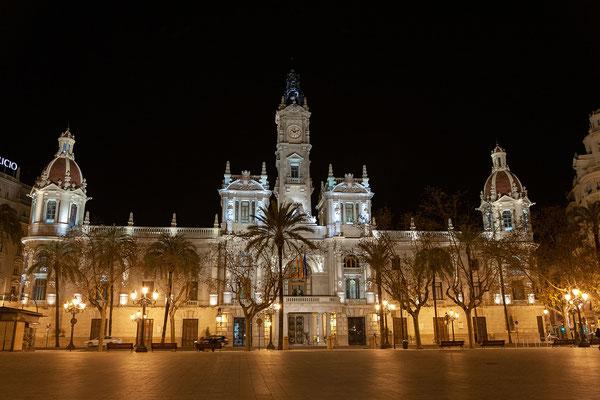 31.03. PLaza del Ayuntamiento bei Nacht