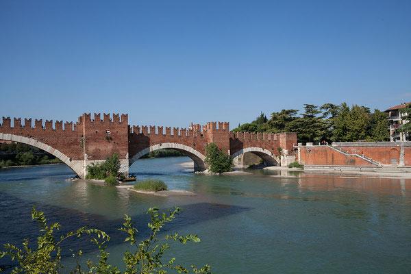 24.09. Verona - Blick auf den Ponte Scaligero