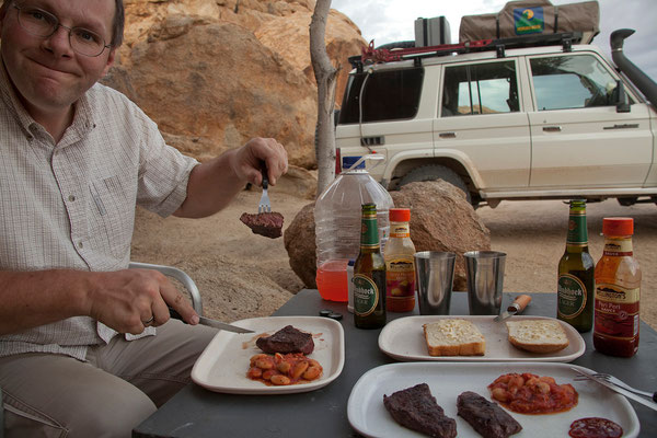 19.2. Steak mit Knoblauchbrot und Bohnen-Tomaten Gemüse