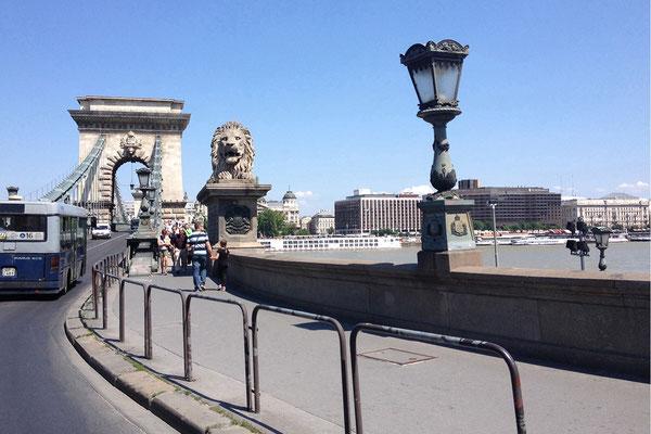 30.05. Anreise durch Ungarn: Kettenbrücke, Budapest