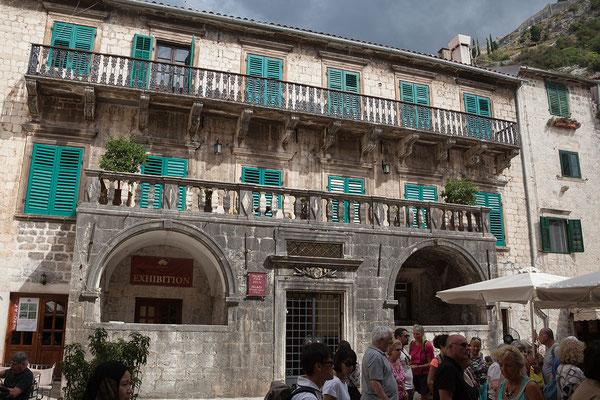 18.9. Der Palata Pima ist der prächtigste und aufwändigste Palazzo Kotors.