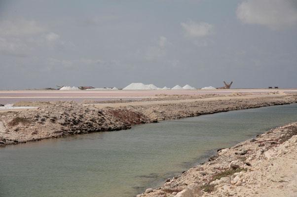 Im Süden der Insel liegen die Salinen.