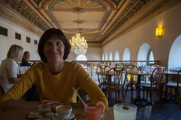07.05. Café Savoy
