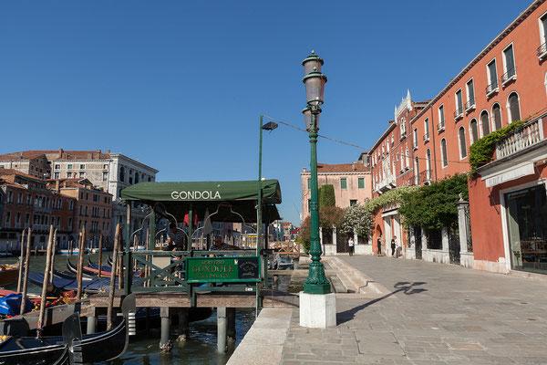 01.07. Über die Riva del Vin gelangen wir nach Rialto.