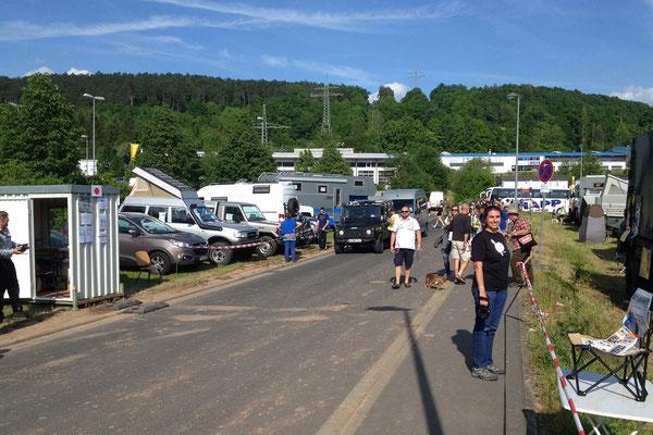 Ankunft am Donnerstag gegen 16 Uhr - die Camp Area ist seit etwa 24 Stunden geöffnet und bereits völlig überfüllt.