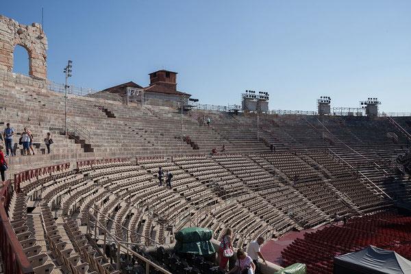 24.09. Verona - Die Arena von Verona ist das drittgrößte römische Amphietheater.
