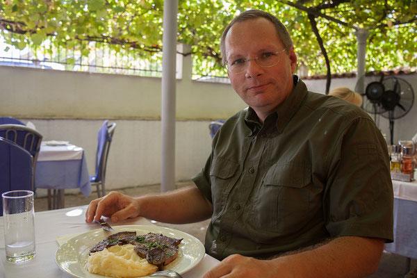 18.9. Kotor - Ausgezeichnetes Mittagessen im Restaurant Bastion etwas außerhalb der Altstadt.